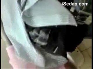 Student Melayu Dalam Toilet