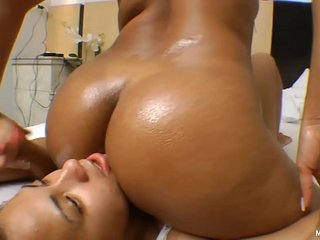 Perfect Butt and Cruel Dancing - Sexy Cheeks Moves and Pussy Smothering
